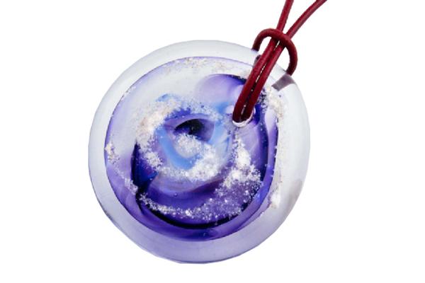 blown-glass-pendant