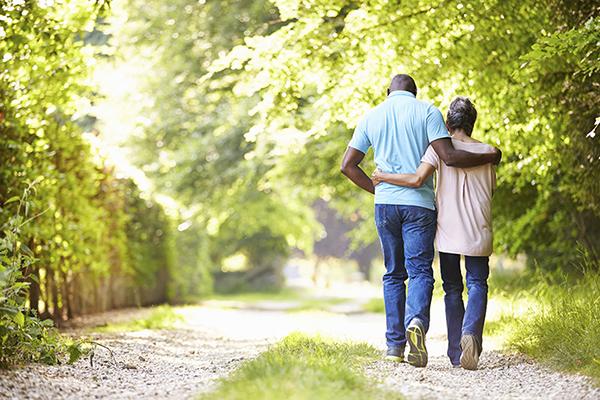 couple-walking-outdoors