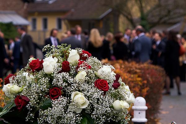 funeral-outside