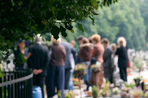 crowd-gathered-at-funeral