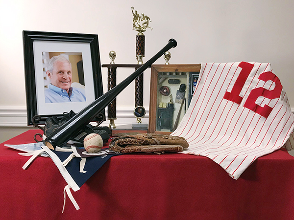 memorial-table-baseball-fan