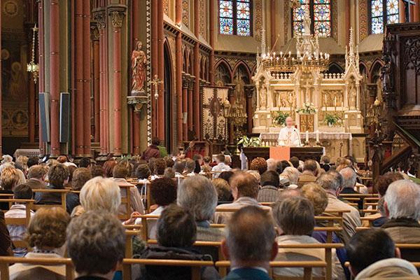 funeral-in-church