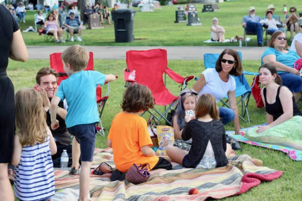 families-at-outdoor-concert