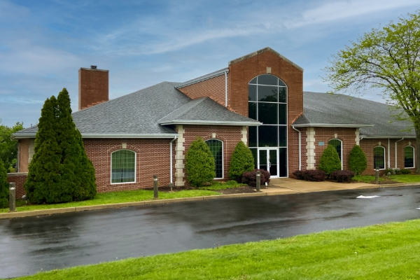 exterior-newcomer-funeral-home-chesterfield-mo