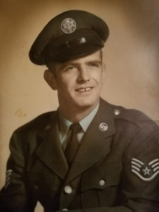 Obituary photo of R. Lozowski, Cincinnati-Ohio