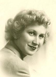 Obituary photo of Elaine Farrell, Green Bay-WI