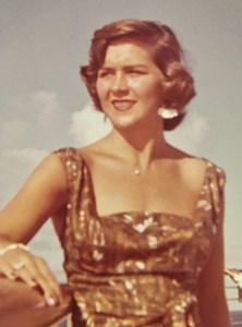 Obituary photo of Yvonne Moore, Dove-KS