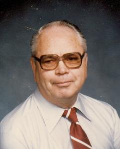 Obituary photo of John Stapleton, Hutchinson, KS