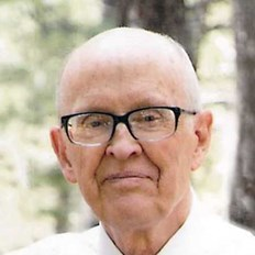 Dennis Howard